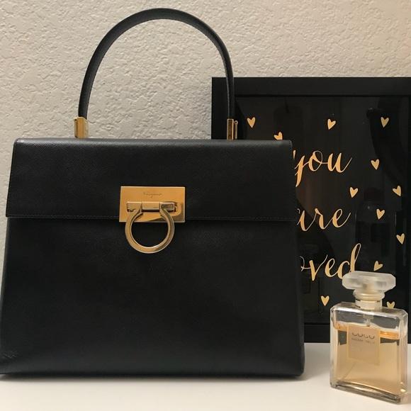 e09f797f26 Vintage Salvatore Ferragamo Gancini bag. M 5b7d0d614cdc3034cf4b436f